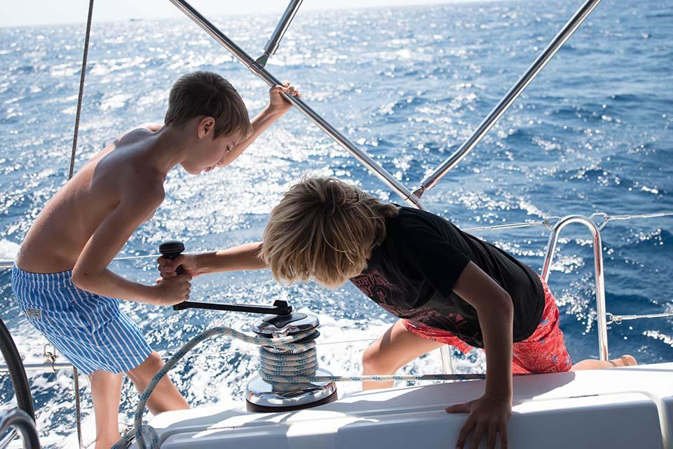 Crossing-The-Sea-Family-Sailing-051